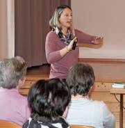 Fahrlehrerin Sara Franzen stellte sich den Fragen der autofahrenden Senioren. (Bild: Andrea Häusler)