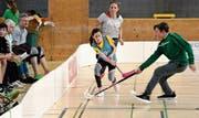 Spannende (Unihockey)-Spiele in vielfältig gemischten Teams. (Bild: ys)
