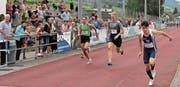 Sandro Graf (rechts) vom KTV Altstätten siegte in seiner Kategorie und qualifizierte sich für den Schweizer Final in Chiasso. (Bild: Damian Zellweger)