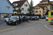 Mehrere 1000 Franken Sachschaden entstanden nach einem Auffahrunfall in Herisau. (Bild: KAPO AR)