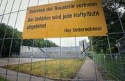 Warten auf den Wiederaufbau: Die Arbeiten für die neue Riethüsli-Turnhalle beginnen voraussichtlich im März 2012. (Bild: Ralph Ribi)
