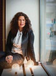Sonja Kuriger: Von der Poster-Verkäuferin zur Galeristin für zeitgenössische Kunst. (Bild: Urs Bucher)