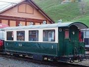 In über 7000 Einsatzstunden hat der Verein historische Appenzeller Bahnen den alten Salonwagen von Grund auf erneuert. (Bild: pd)