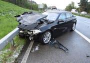 Bei den Unfällen entstand Sachschaden in der Höhe von mehreren zehntausend Franken. (Bild: Kapo SG)