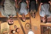 Dominik Iten, Neumitglied, Bettina Arca, Dirigentin, Michael Rüegg, neuer Präsident und Werner Iten, abtretender Präsident, (von links). (Bild: PD)