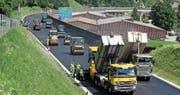 1900 Tonnen Asphalt flachgewalzt (Bild: PD)