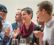 Applaus für die neue Stadträtin Helen Alder Frey beim Wahlapéro im Fürstenlandsaal. (Bild: Benjamin Manser)