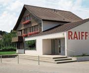 Der Hauptsitz der Raiffeisenbank Unteres Toggenburg befindet sich in Bütschwil. (Bild: PD)