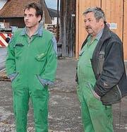 Philipp (l.) und Werner Jäger fällt der Abschied von ihrer Lok schwer.