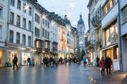Weihnachtsshopping in der Stadt St.Gallen - Vorsicht: Es sind auch Kriminaltouristen unterwegs. (Bild: David Suter)