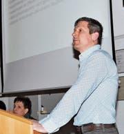 Ortspräsident Daniel Bösch informierte die Ortsbürgerschaft. (Bild: René Jann)