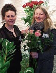 Fabienna Wobmann (rechts) führt zusammen mit Christina Raschle die Floristik Laube in Lichtensteig. (Bild: Sascha Erni)