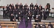Der Männerchor Rüthi und das Bläser-Quartett der Vorarlberger Musikschule am gemeinsamen Adventskonzert. (Bild: René Jann)
