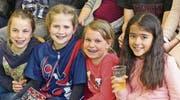 Auch die kleinen Turnerinnen zeigten sich begeistert über die Leistungen ihrer älteren Kolleginnen. (Bilder: Ulrike Huber, NZ)
