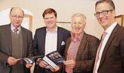 Vor einem kompakteren Wirtschaftsforum: Peter Maag, Hansjörg Brunner, Reinhard Frei sowie Urs Röthlisberger von der UBS. (Bild: Martin Sinzig)