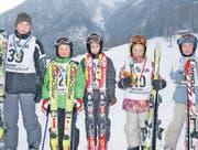 Die Kategoriensieger des Schüler- und Kinderskirennens in Plona (v. links): Ramon Loher, Joshua Göldi, Andreas Kobler, Laura Weder und Salome Loher. (Bild: mäx)