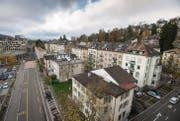 Die Häuserzeile an der Lagerstrasse soll einer neuen Überbauung weichen. Die Fragen nach deren Höhe dürfte aber zu Diskussionen führen. (Archivbild: Urs Bucher)