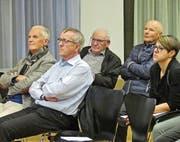 Die wenigen Besucher der Veranstaltung verfolgten die Ausführungen des Präsidenten. (Bild: Ulrike Huber)