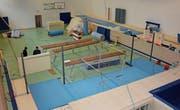 Die Turnhalle im ehemaligen Ressorthotel Mogelsberg wird zum Trainingszentrum der Fürstenland Frauen. (Bild: Beat Lanzendorfer)