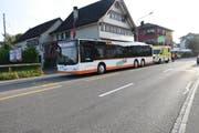 Bei einem scharfen Bremsmanöver verletzte sich eine Frau im Regiobus. (Bild: kapo sg)