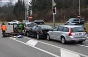 Der Lenker des vordersten Autos verletzte sich unbestimmt. (Bild: Kapo)
