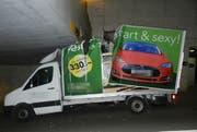 Am Lieferwagen entstand grosser Sachschaden. (Bild: Kapo TG)