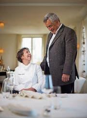 Zwei im besten Einvernehmen: Bernadette Lisibach, die Köchin des Jahres 2015, und Felix Bertschinger, Besitzer der «Neuen Blumenau». (Bild: Benjamin Manser)