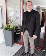 Im Gemeindehaus hat Renato Truniger seine erste Ausbildung zum kaufmännischen Angestellten absolviert, bevor er Landwirt wurde. Auch als Gemeinderat ging er hier schon regelmässig ein und aus. (Bild: Martina Signer)