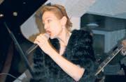 Mit viel Gefühl gab Sängerin Lisa Berg begleitet von David Ruosch ihre schönsten Eigenkompositionen zum Besten. (Bild: ann.)