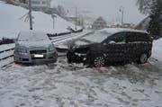 Der Unfall ereignete sich auf schneebedeckter Strasse. (Bild: Kapo AR)
