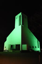 Auch die Kirche in Lichtensteig wurde im Rahmen der Aktion angestrahlt. Hier blieben Zwischenfälle aus. (Bild: Urs M. Hemm)