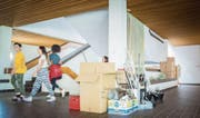 Nach der Zügelaktion im OZ Rosenau erhält das Schulhaus bis Sommer 2018 aussen wie innen ein Facelifting. (Bild: Jil Lohse)