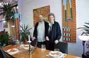 Helena und Heinz Büchel bewirten ab März jeden Sonntagabend Gäste in der «Fabrik». (Bild: Sabine Schmid)