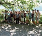 Nach dem Besuch in der Schoggifabrik in Bilten spazierten die Bütschwiler Frauen entlang des Walensees. (Bild: PD)
