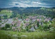 Zweigeschossige Einfamilienhäuser am Stadtrand – das ist nicht das, was die Jungen Grünen sich unter Verdichtung vorstellen. (Bild: Jil Lohse)