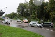 Beim Unfall entstand hoher Sachschaden. (Bild: Stapo SG)