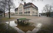 An der Realschule Buchental hat vor den Weihnachtsferien die stellvertretende Schulleiterin nach 20 Jahren ihr Amt niedergelegt. (Bild: Benjamin Manser)