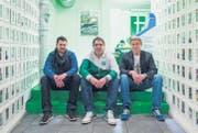 Drei der 15 «Senf»-Kollektivmitglieder: Fabian Rietmann, Ruben Schönenberger und Bruno Zanvit (von links). (Bild: Luca Linder)