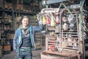 Die ausgebildete Kunstgiesserin Laila Pauli schätzt sich sehr glücklich, in der Kunstgiesserei im Sitterwerk arbeiten zu dürfen. (Bild: Urs Bucher)