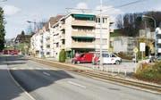 …und wie sie sich heute präsentiert: Kantonsstrasse und Bahntrassee in einem. (Bild: Ralf Streule)