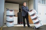 Erik Streller-Shen hat für Umzüge einen Verleih von Mehrwegfaltboxen gegründet. Ende Jahr soll es in der Schweiz 25 Standorte geben. (Bild: Peer Füglistaller)