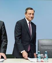 EZB-Präsident Mario Draghi weiss eine Mehrheit seines Rates hinter sich. (Bild: Armando Babani/EPA (Frankfurt am Main/26. Oktober 2017))