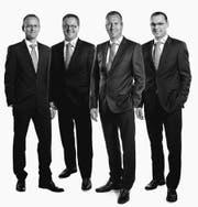 Von links: Urs Handermann (Leiter Services), Urs Schneider (Leiter Privatkunden), René Bognar (Vorsitzender der Geschäftsleitung) und Adrian Knechtle (Leiter Firmenkunden). (Bild: pd)