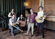 Das dänische Quintett Mads Hansens Kapel bringt mit traditionellem Folk jeden Saal zum Tanzen (Bild: PD)