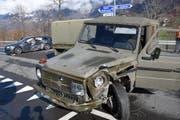 Hoher Sachschaden: Das Armeefahrzeug nach dem Unfall.