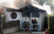 Feuerwehr löscht Brand in Trafostation (Bild: Kantonspolizei Thurgau)