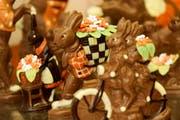 So süss, so gluschtig: Bereits während der Fastenzeit bieten Confiserien und Grossverteiler eine Fülle an Schoggihasen an. (Bild: Donato Caspari)