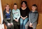 Die vier neuen Mitglieder der Musikgesellschaft Harmonie Ebnat-Kappel, von links: Nicole Geisser, Noëlle Hug, Petra Lieberherr und Simon Fäh. (Bild: PD)