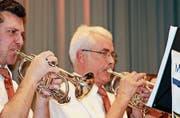 Die Eggersrieter Musikanten spielen an ihrem Unterhaltungsabend ohne Motto, aber mit rotem Faden. (Bild: Andrina Zumbühl)