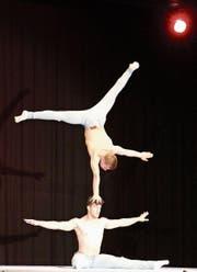 Von Akrobatik-Clowns bis zu unglaublichen Balanceakten: Das Programm des Akrobatentreffens in Waldstatt war vielseitig. (Bild: PD)